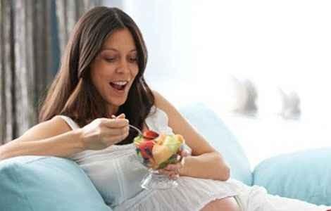 Зуд может быть вызван аллергическими реакциями на определенные продукты