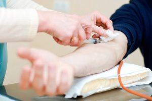 Диагностировать гипотиреоз можно по результатам биохимического анализа крови