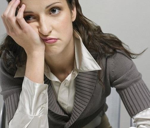 Гипоплазия воздействует на нервную систему, провоцируя апатию