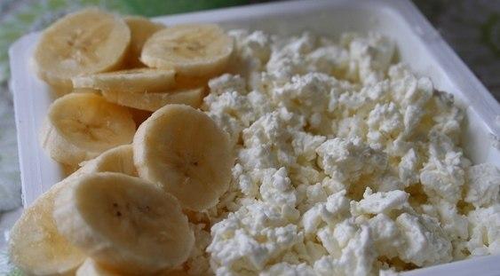 Вкусный десерт получается из бананов и творога