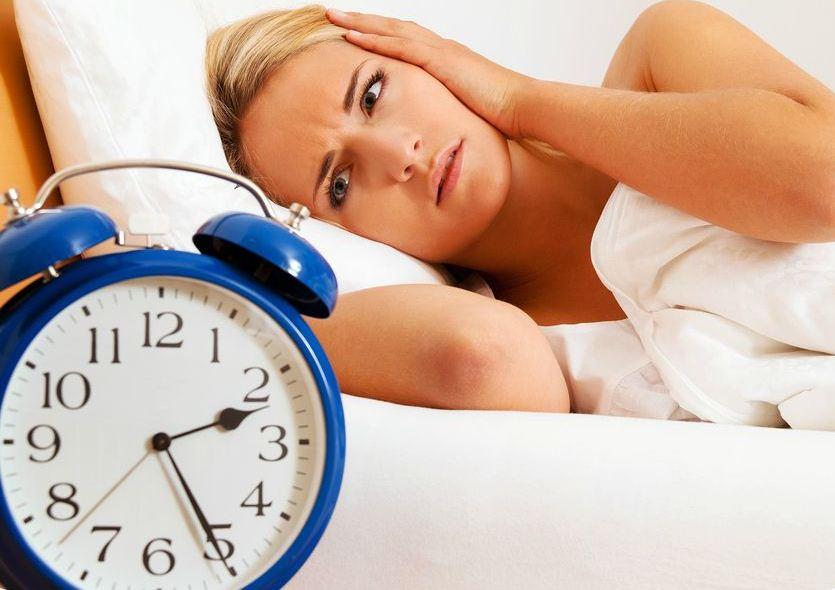 Недостаточная выработка гормонов влечет за собой бессонницу