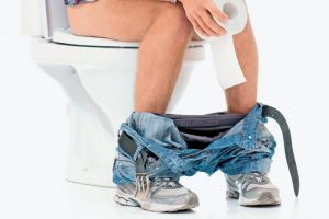 При простатите у мужчины появляется боль при дефекации