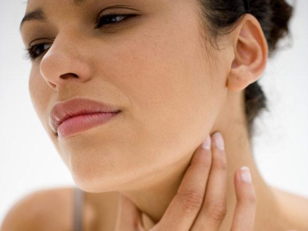 Глотание причиняет пациентам ощутимый дискомфорт