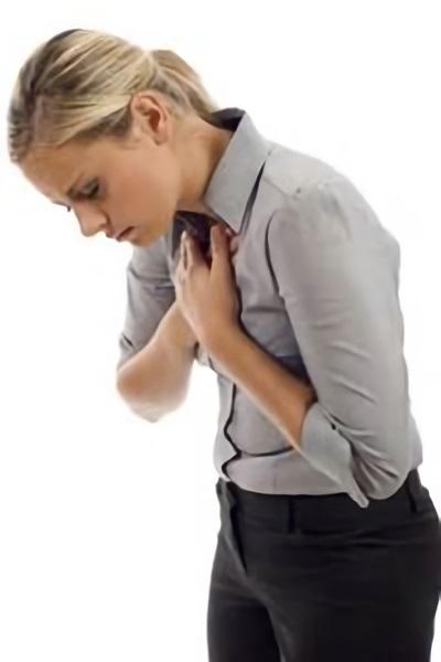 Любые прикосновения к груди причиняют боль