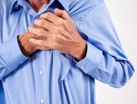 При остеохондрозе появляются боли в сердце