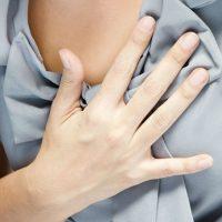 От чего может появиться боль в груди