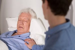 Больные с запущенной формой рака предстательной железы прикованы к постели