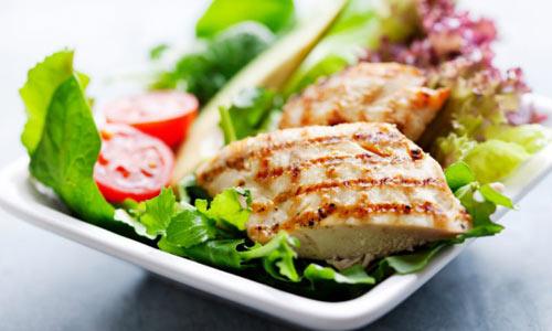 Необходима диета с высоким содержанием клетчатки и витаминов