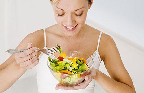 Овощи и фрукты очень полезны, но необходимо также употреблять питательные продукты