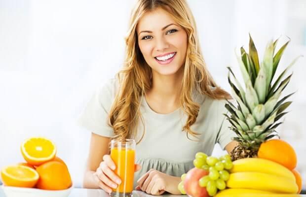 Лечение включает назначение диеты с повышенным содержанием овощей и фруктов