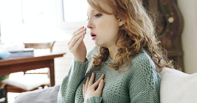 Злокачественные опухоли щитовидки вызывают длительный затяжной кашель