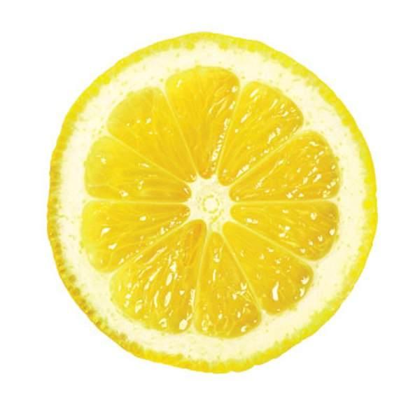 К груди прикладывают порезанный на дольки лимон
