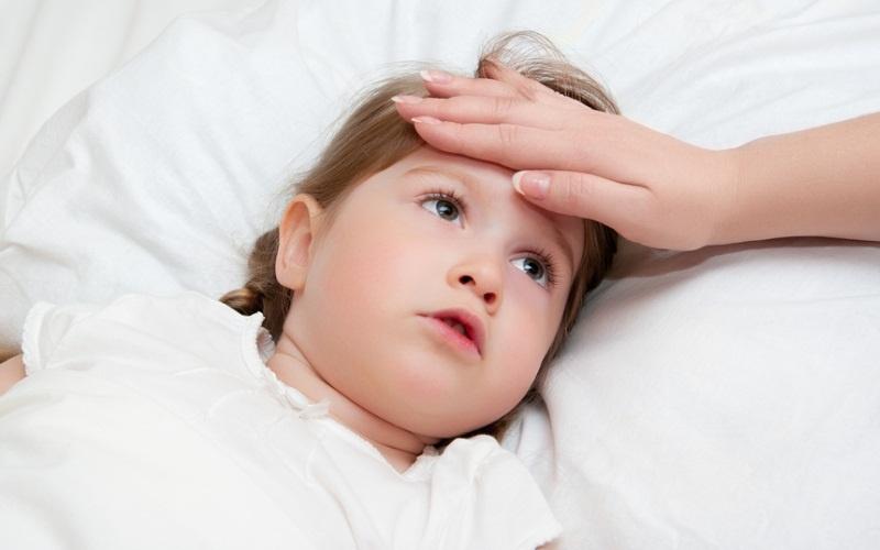 При развитии токсического зоба у ребенка повышается температура