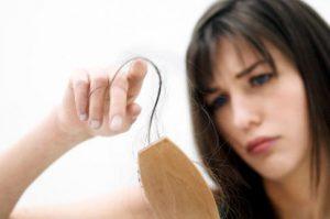 Гипотиреоз сопровождается выпадением волос
