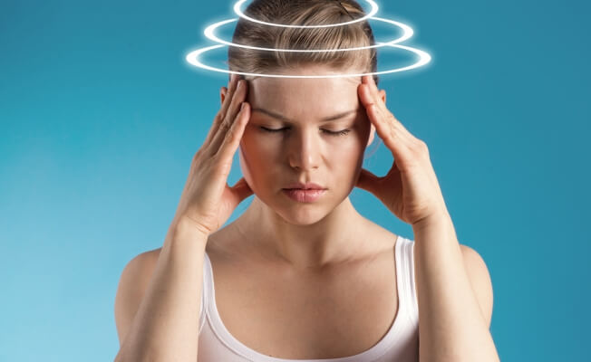 У пациентов отмечаются головные боли и головокружения