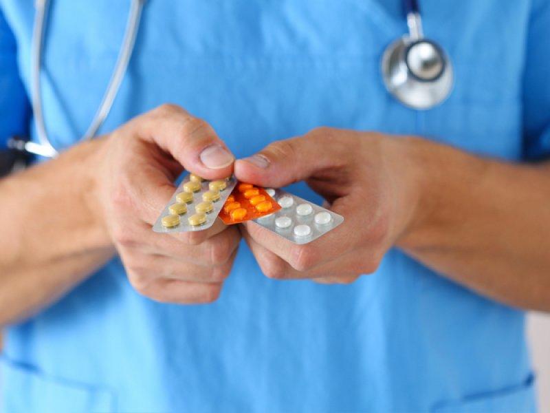 Эндокринолог поможет женщине подобрать гормональные контрацептивы