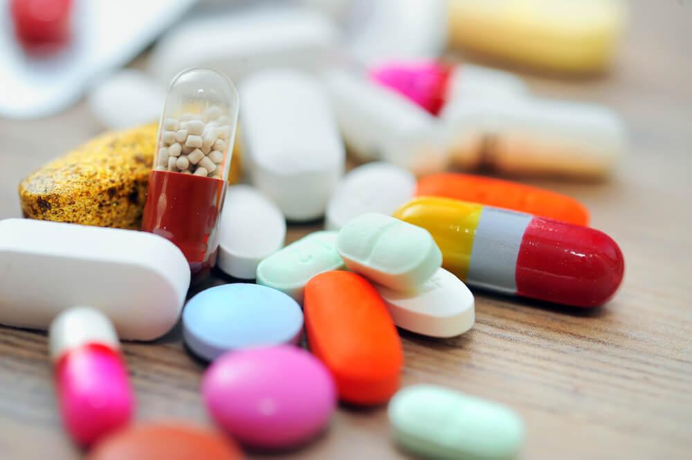 Для лечения заболевания на ранних стадиях назначаются гормональные препараты