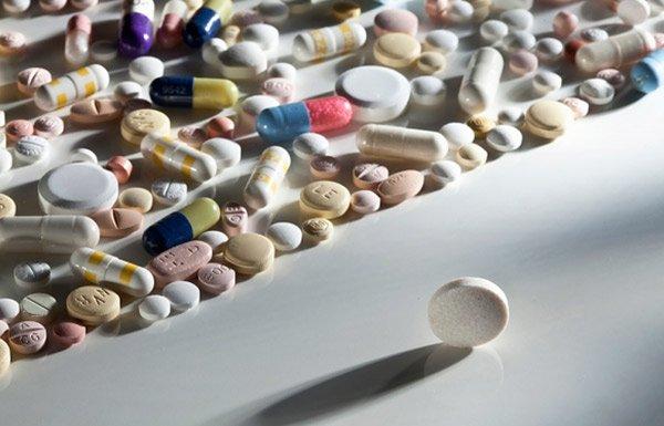 Для лечения назначается комплекс гормональных препаратов