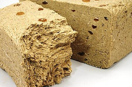 Халва - калорийный продукт, употреблять необходимо умеренно