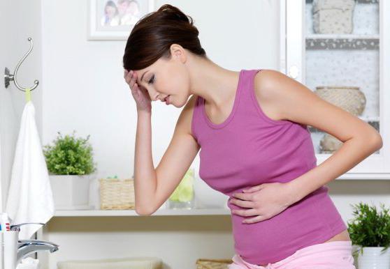 Резкое изменение баланса гормонов в начале беременности - одна из причин железистой мастопатии