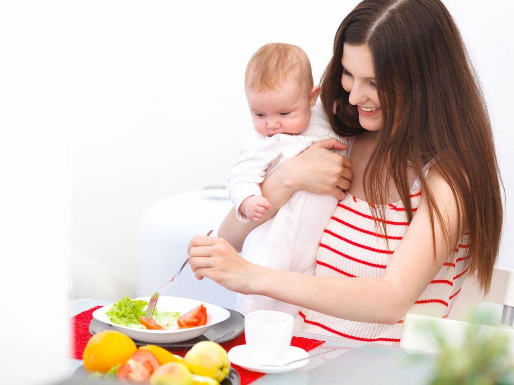 Употребляемые мамой продукты влияют на качество грудного молока