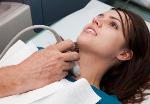 Процедура проводится с использованием аппарата УЗИ