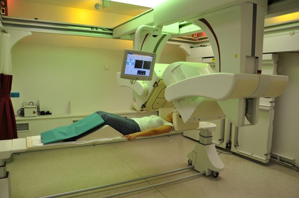 Сканирование проводится через 24 часа после приема йода или технеция
