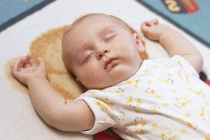 У младенцев с гипотиреозом присутствует апатия