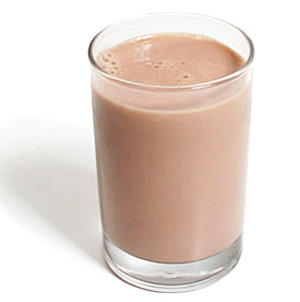 Для приготовления напитка рекомендуется использовать нежирное молоко