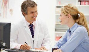 Причины выпадения волос поможет установить эндокринолог