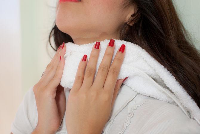 В домашних условиях эффективно использовать компрессы из йодированной соли