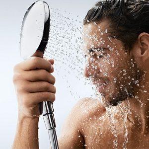 После бани о=рекомендуется принимать контрастный душ