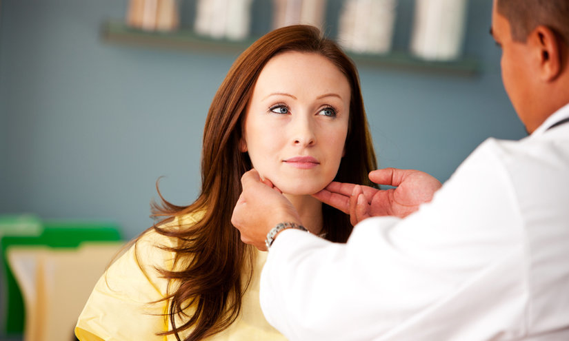 Контроль щитовидки необходимо проводить женщинам после 50 лет