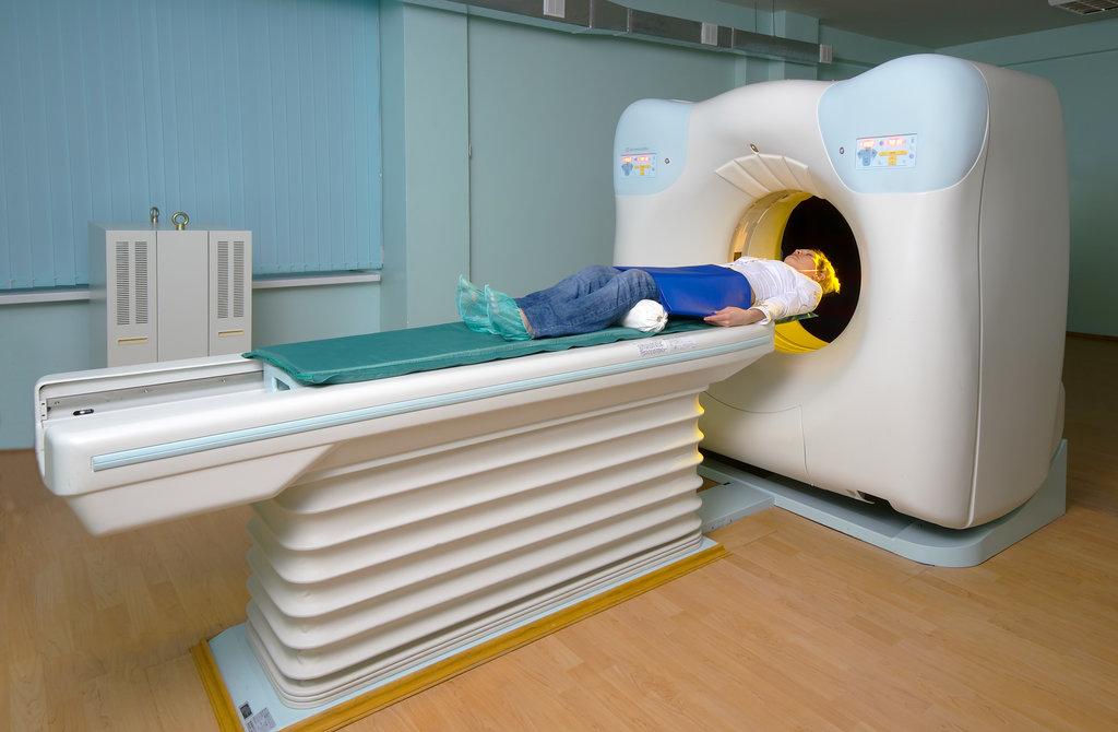 КТ щитовидной железы сочетает в себе методы УЗИ и рентгена