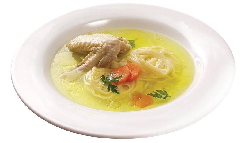 Куриный суп - оптимальный вариант обеда при гипотиреозе