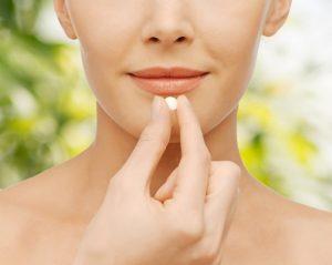 Лечение щитовидки осуществляется путем приема специальных препаратов