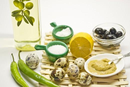 В домашних условиях можно приготовить майонез из перепелиных яиц