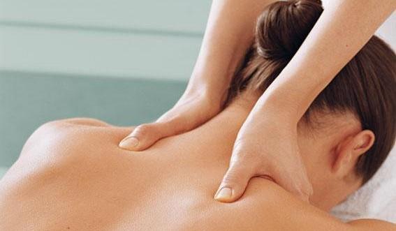Если у женщины отмечаются аллергические реакции на физраствор или компрессы, от массажа придется отказаться