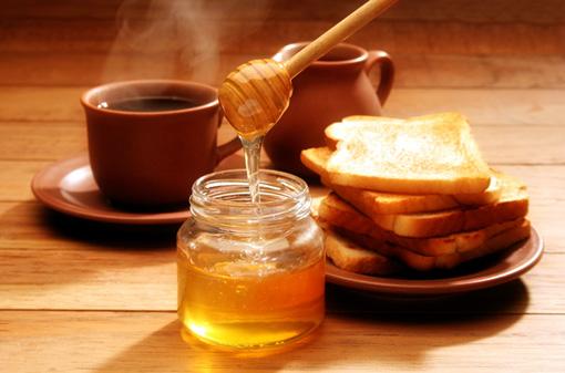 Мед можно использовать как заменитель сахара