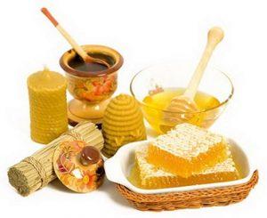 Лечение прополисом можно дополнить употреблением меда