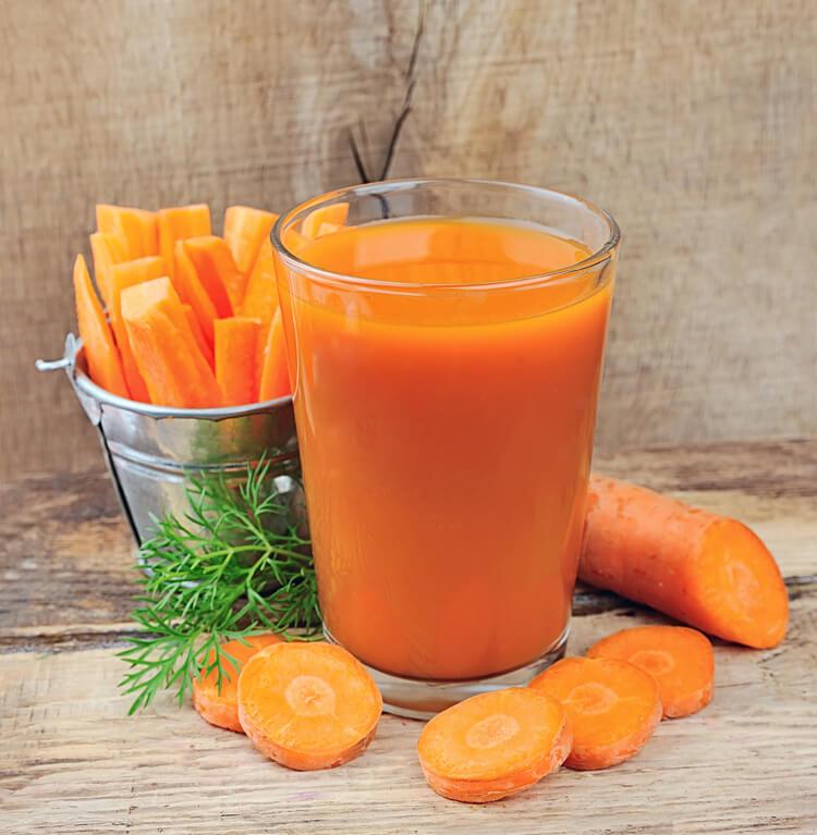 Морковный сок можно употреблять при отсутствии аллергических реакций
