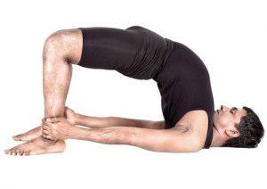 """Для лечения воспаления предстательной железы рекомендуется выполнять упражнение """"мостик"""""""