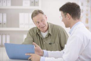 Первичную консультацию при простатите проводит врач-терапевт