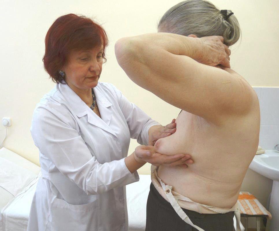 Эктазию может диагностировать маммолог после осмотра