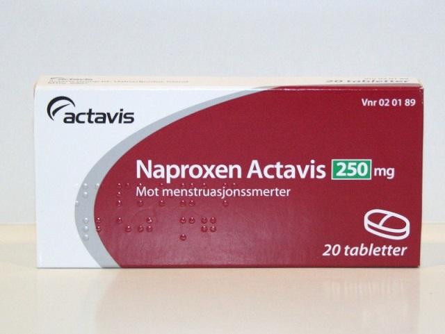 При сильной боли можно принять таблетку Напроксена