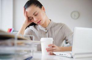 При гипотиреозе появляется сонливость