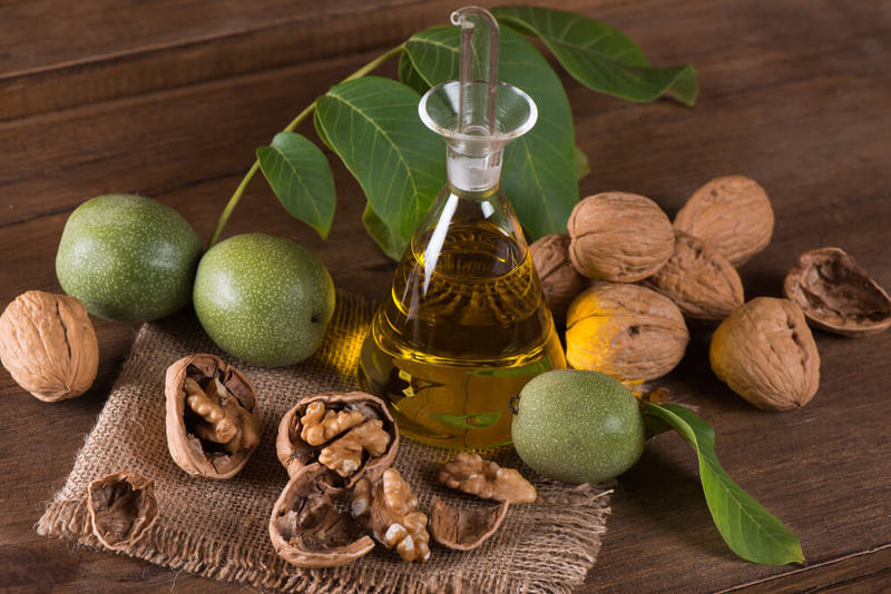 Настойку из перегородок грецкого ореха можно приготовить в домашних условиях