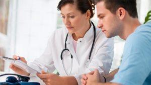 Врачи рекомендуют комбинировать аппаратное лечение с приемом медикаментов