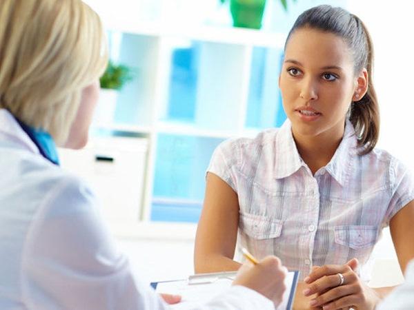 Диагностикой заболеваний щитовидки занимается эндокринолог