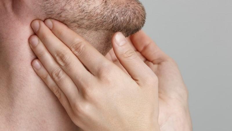 Злокачественная опухоль имеет на ощупь плотную консистенцую